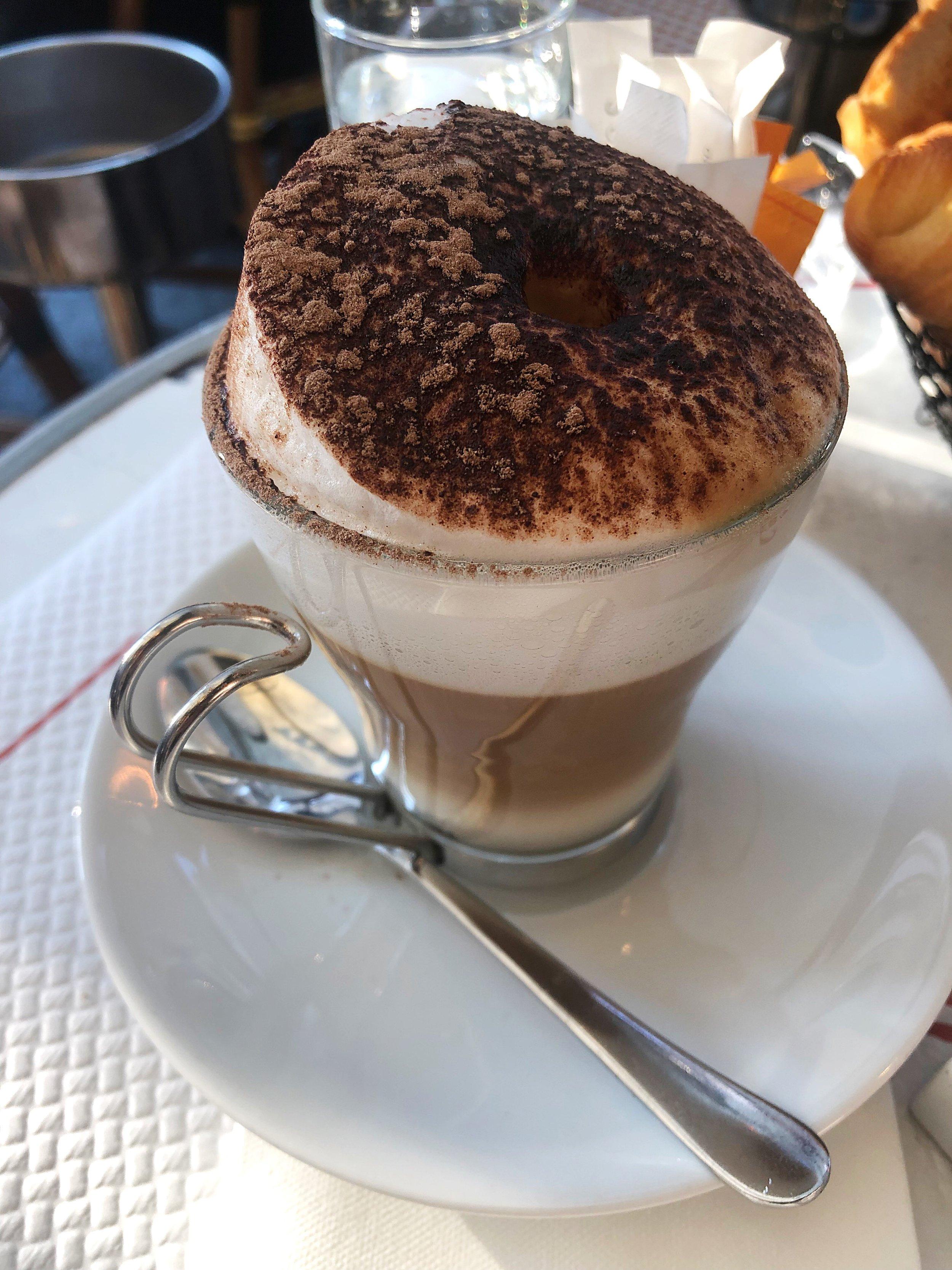 Paris_Cafe Charlot cappucino