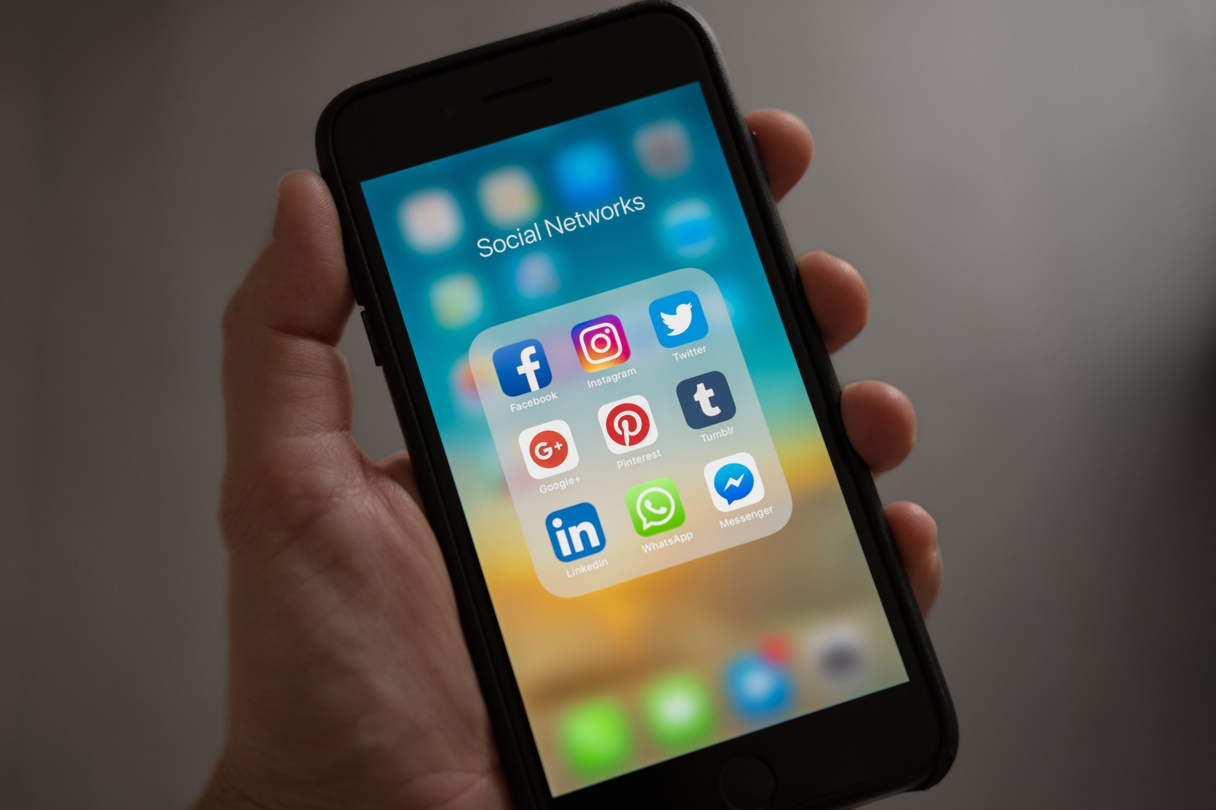 You can use social media for both inbound and outbound marketing. Photo by  Tracy Le Blanc  from  Pexels .