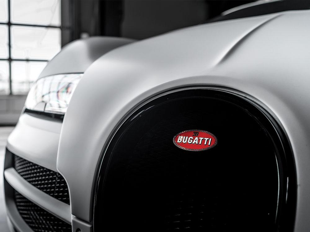 gallery-pytstop-motorcars-silver-bugatti-headlight.jpg