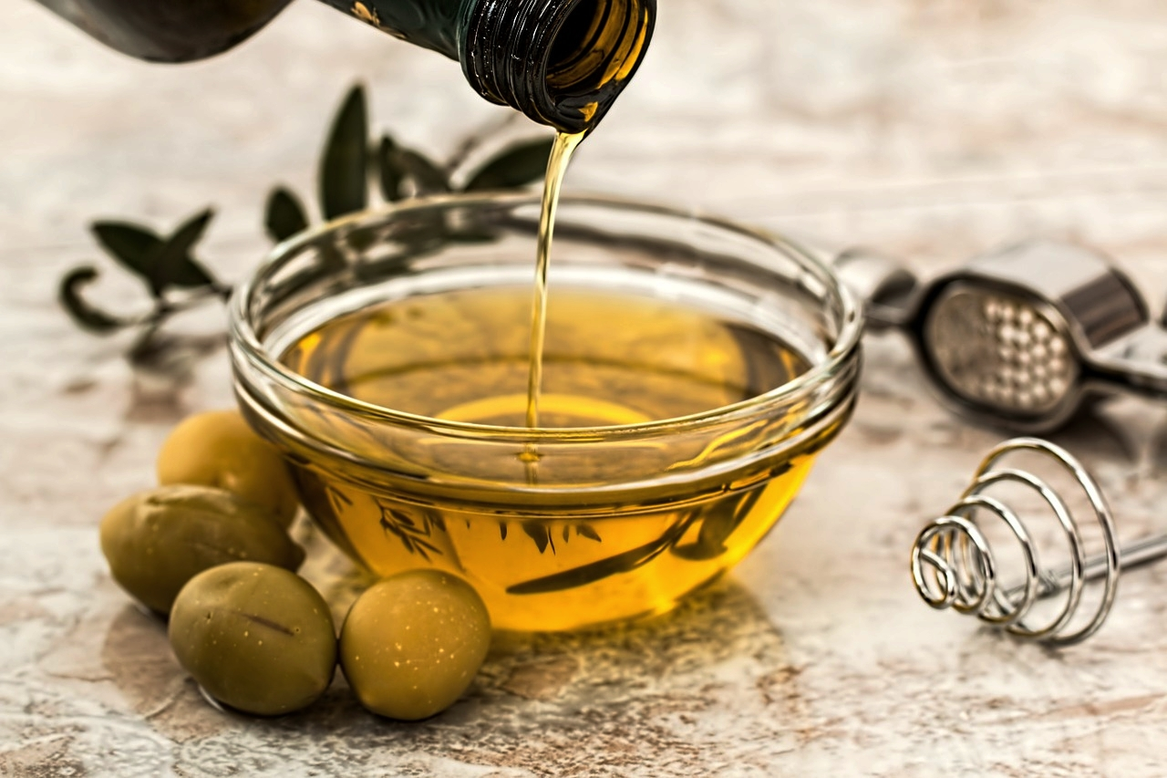 L'olio Extravergine d'oliva: carattere e sapore incontaminati -