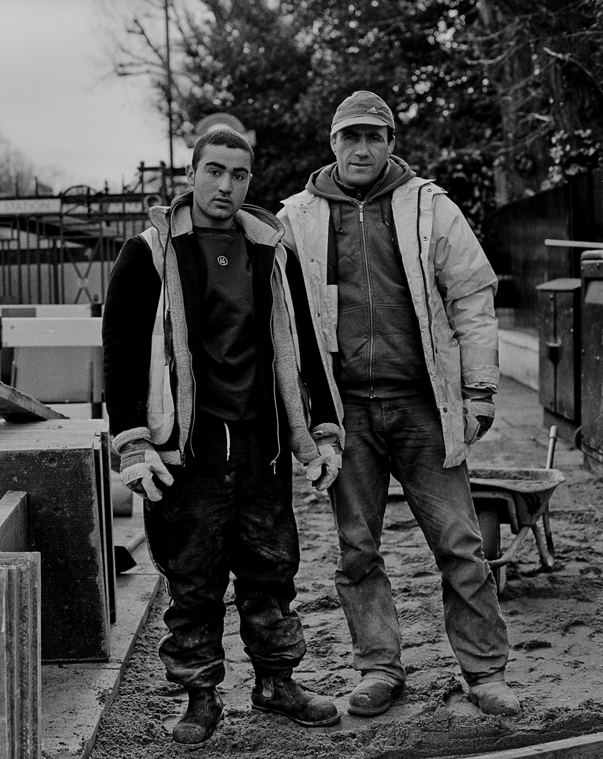 2005: Street maintance workers from eastern Europe. London, England