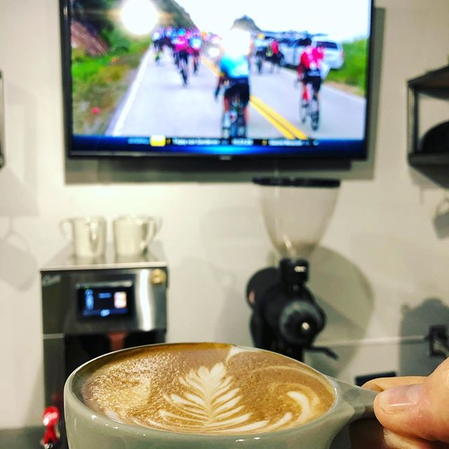 More rain means more coffee and more watching bike racing. . @cadencecyclerykeller @avocacoffeeroasters #bikesandcoffee @amgentoc #bikes #coffee #bikeracing #coffee #cappuccino #latteart
