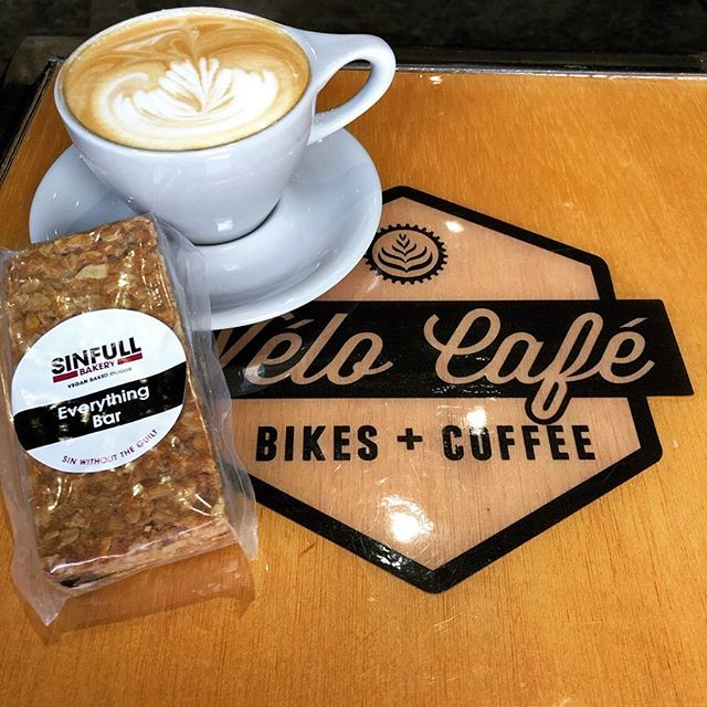 Whether it's the Everything Bar or the Coconut Dream Bar, it's your choice, but you've got to try one of these delicious Houston, TX based @sinfullbakery . @cadencecyclerykeller #bikesandcoffee #latteart @avocacoffeeroasters #texas #coffee #espresso #latte #cappuccino