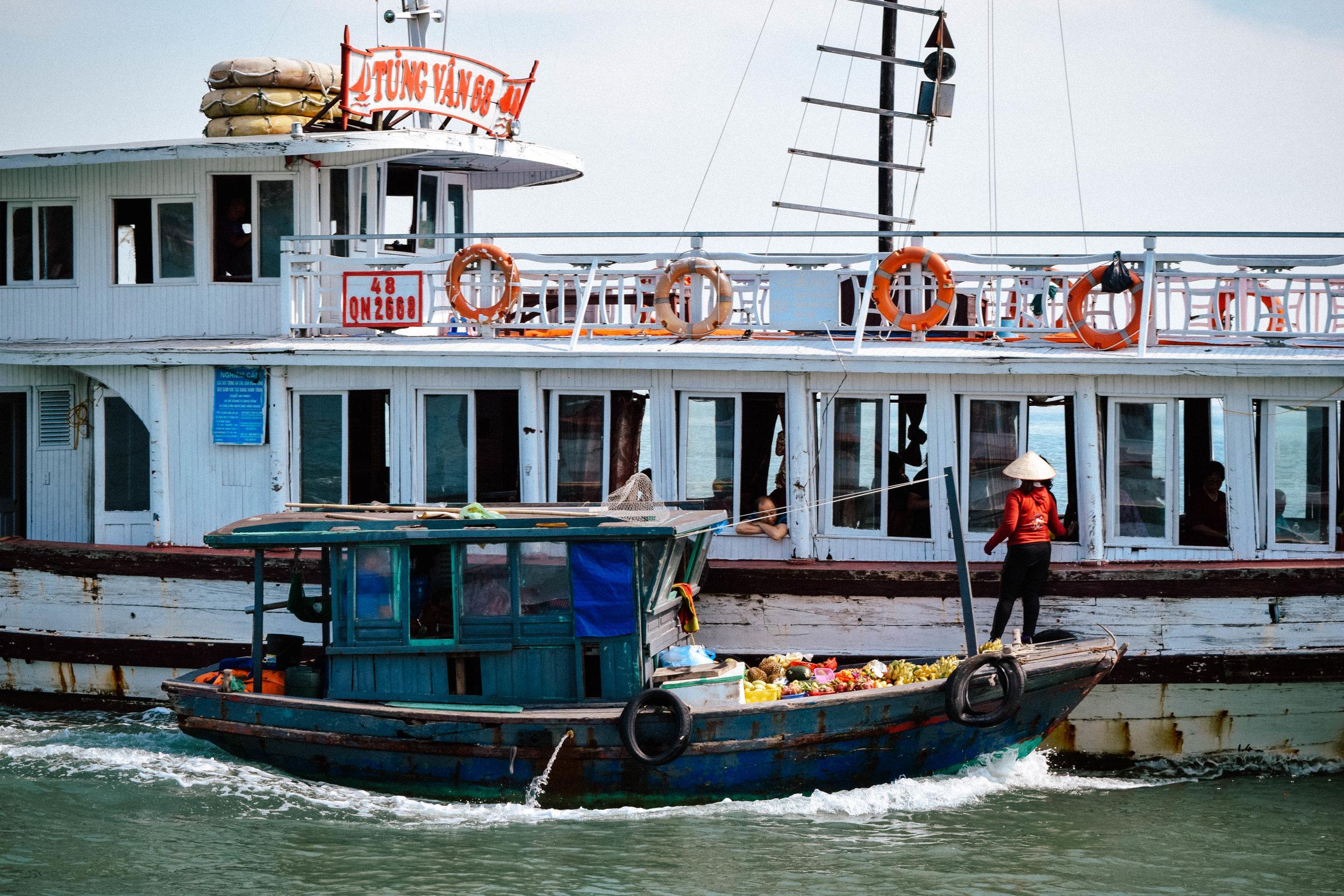 Boat merchant in Ha Long