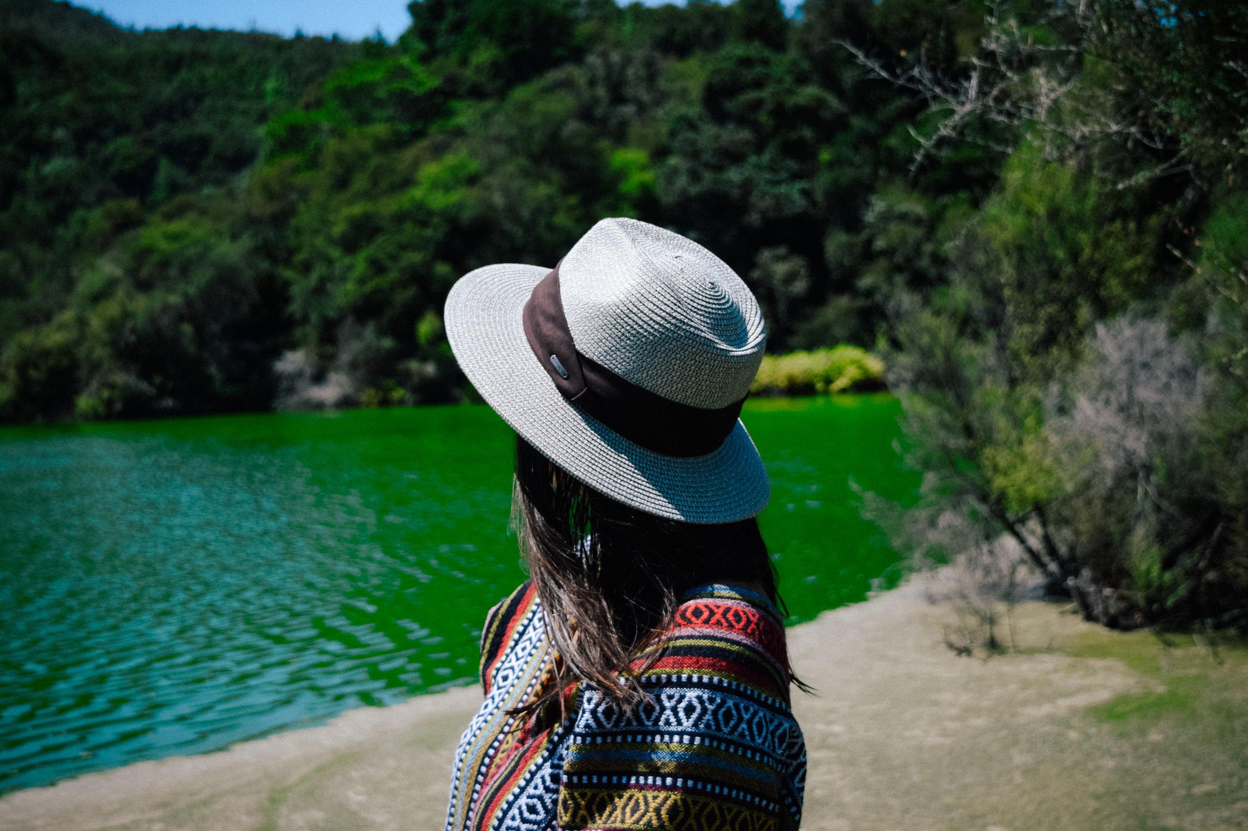 Emerald lake in Rotorua