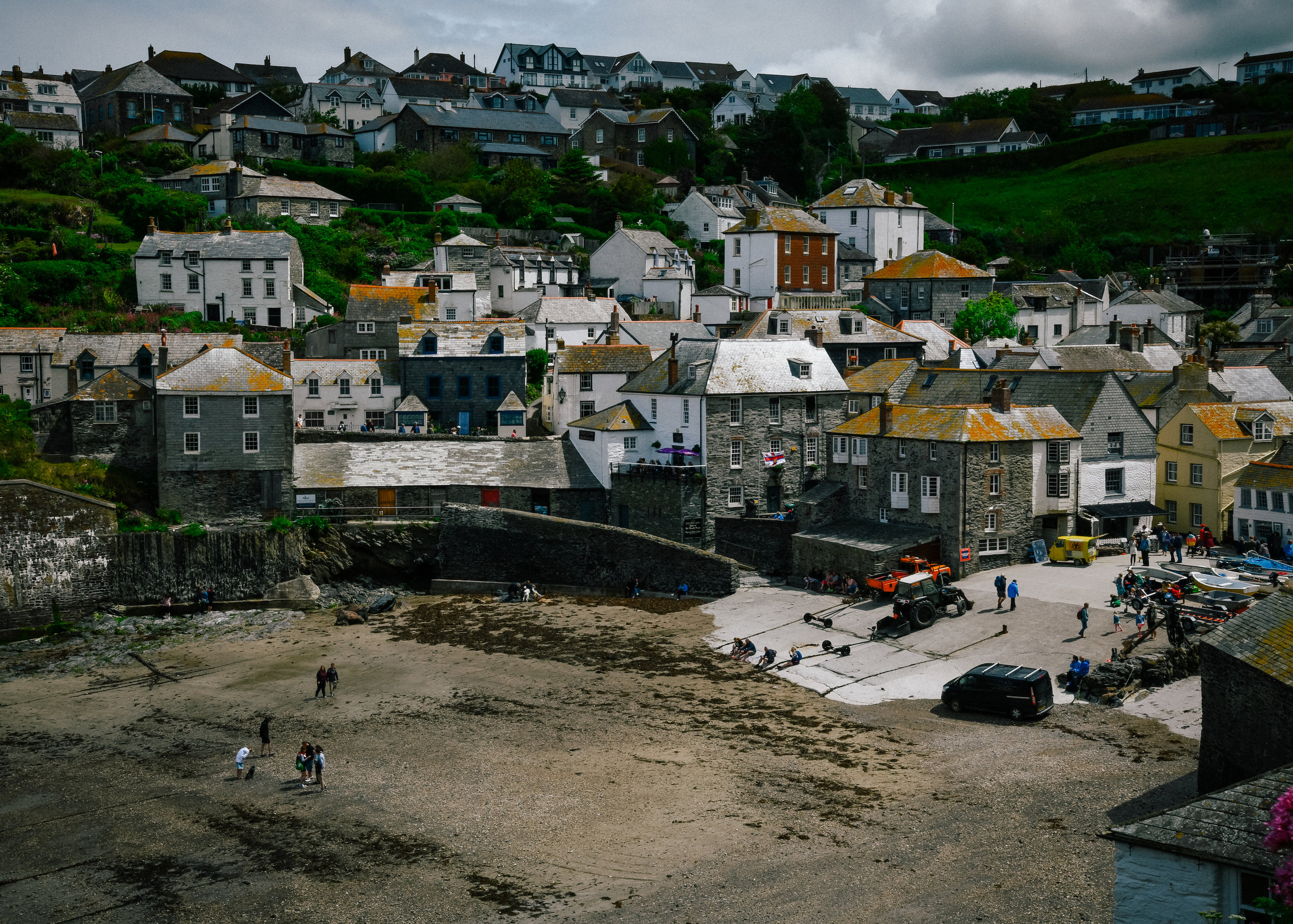 low tide in port isaac