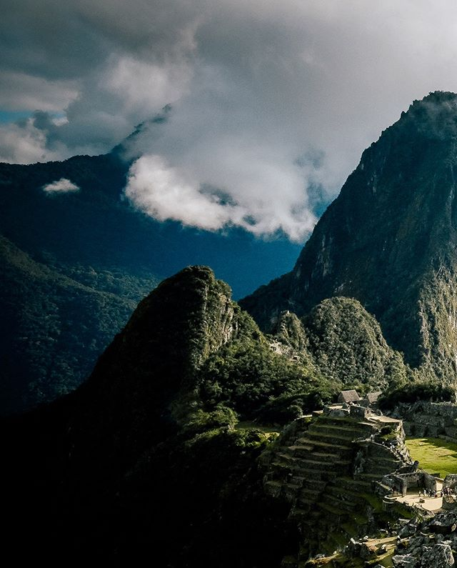 """""""It's an irritating reality that many places defy description... Machu Picchu for instance seems to demand silence, like a love affair you can never talk about."""" - Anthony Bourdain. 🏔 SWIPE to see one of my favorite pictures I took after our five-day hike to Machu Picchu! An exhausting trek, but so so beautiful and rewarding. Alsooo new website post up with the rest of our pictures! Writing has been taking a backseat lately, but it felt nice finally to reflect on this trip. Check it out if you're interested!"""