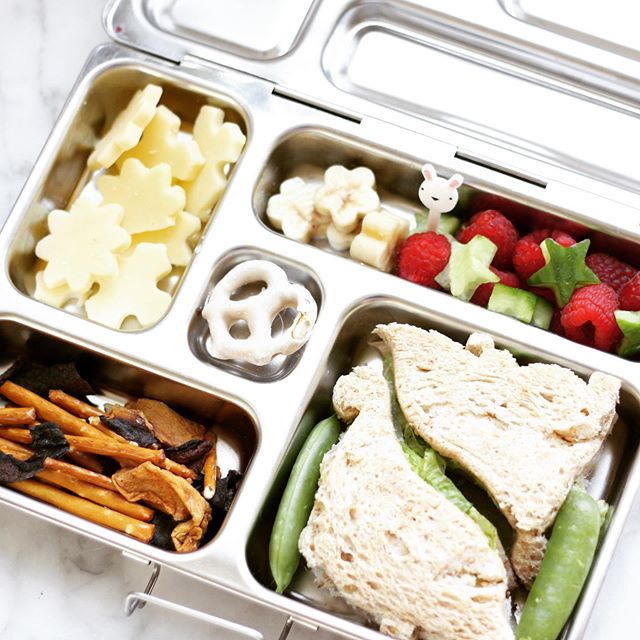 Looking at photos I did recently for a company blog post on lunch ideas to try to inspire me to get the boys food for the week.  The weekends go by so fast! Gearing up over in the Rosolino household. 🙋🏻♀️