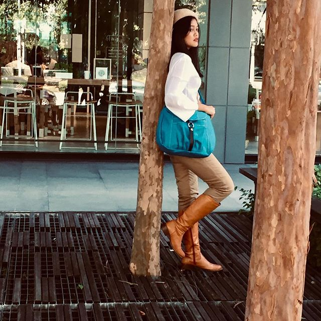 Eco can be so pretty . Canvas bag . Low price . Premium quality .  What are yo waiting for ?  Claire no.103 -teal  #canvas #messengerbag #etsyseller  #etsysellersofinstagram #etsyfinds #teal #christystudio #shoulderbag #traveling #travel #travelbag