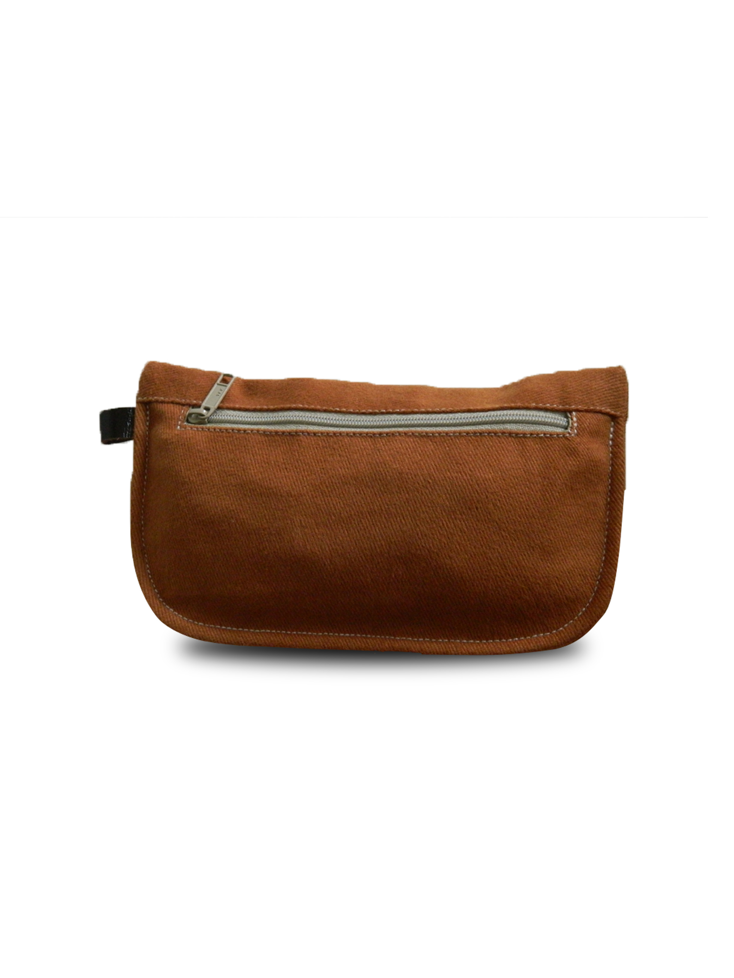 POUCH -