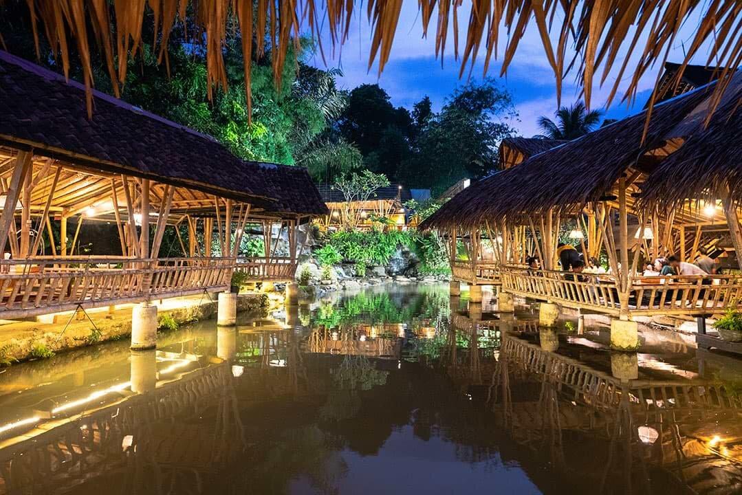 Restoran Gurih 7 Bogor Saung Lesehan Kuliner Sunda