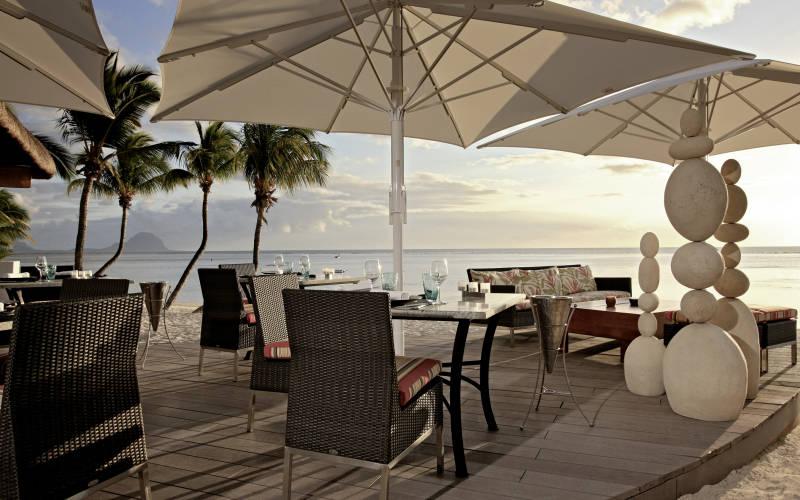 sugar-beach-resort-and-spa-beach-dining.jpg
