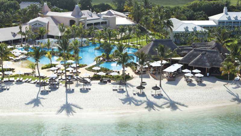 sugar-beach-resort-and-spa-beachfront.png