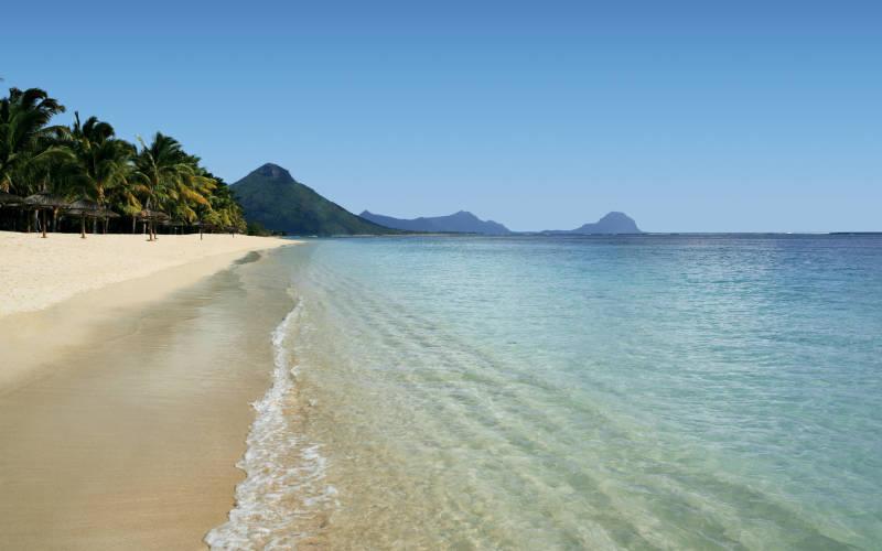 sugar-beach-resort-and-spa-mauritius-beach.jpg