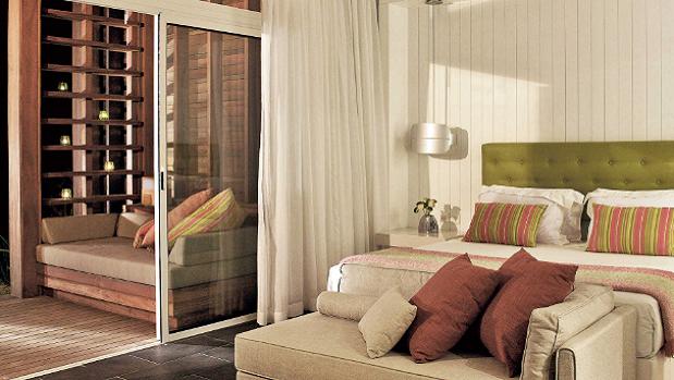 long-beach-resort-mauritius-superior-room.png