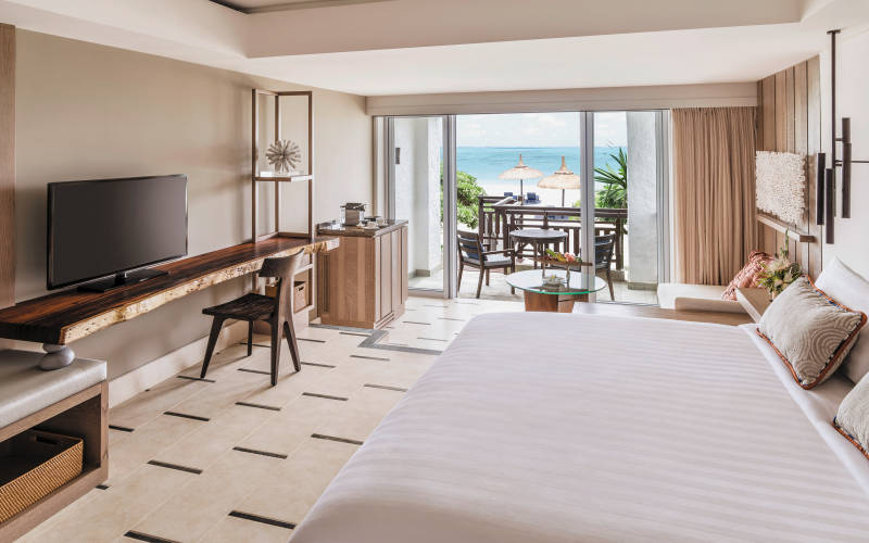 shangri-las-le-touessrok-resort-and-spa-deluxe-room-coral-wing2.jpg