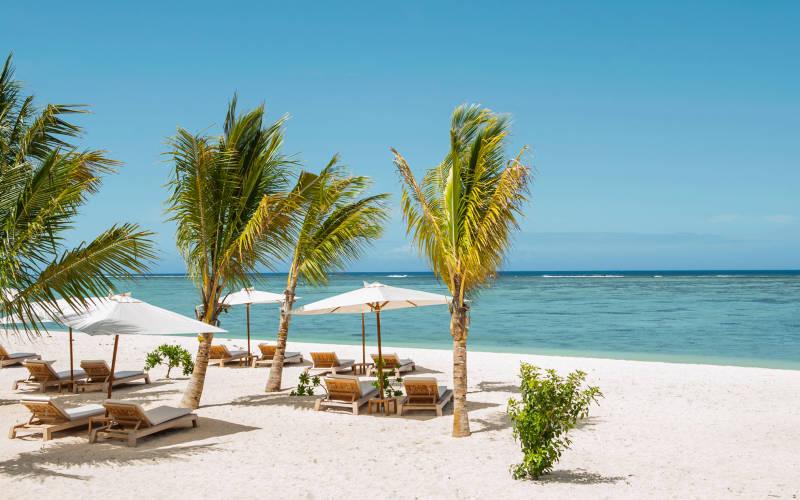 the-st-regis-mauritius-resort-beach.jpg