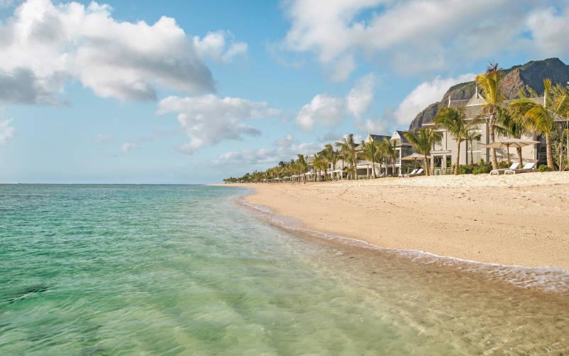 the-st-regis-mauritius-resort-beach2.jpg