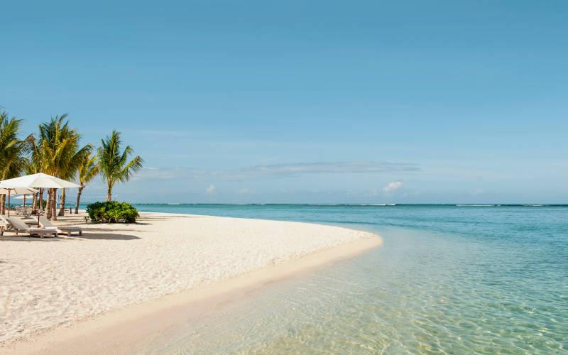 the-st-regis-mauritius-resort-beach3.jpg