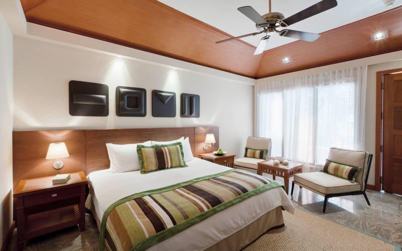 kurumba-maldives-deluxe-room.jpg