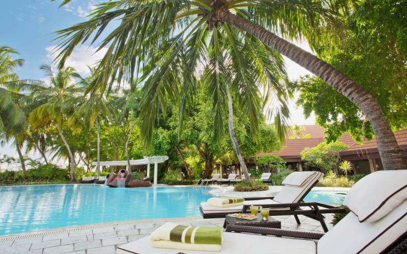 kurumba-maldives-pool-area.jpg