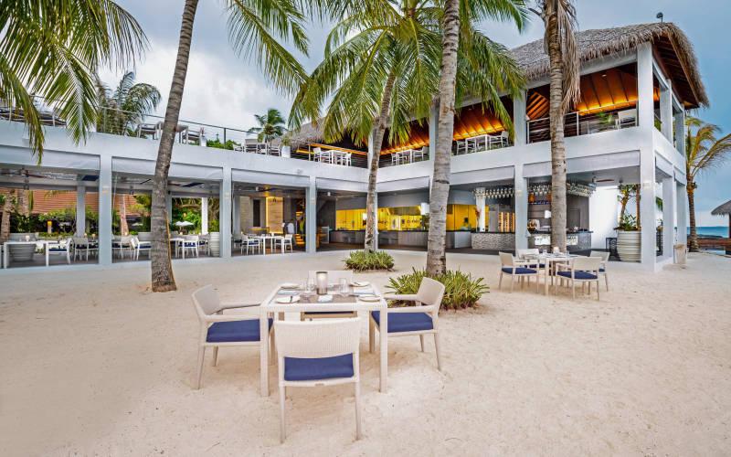 kurumba-maldives-thila.jpg