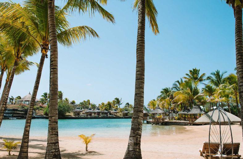 paradise-cove-boutique-hotel-beach.JPG