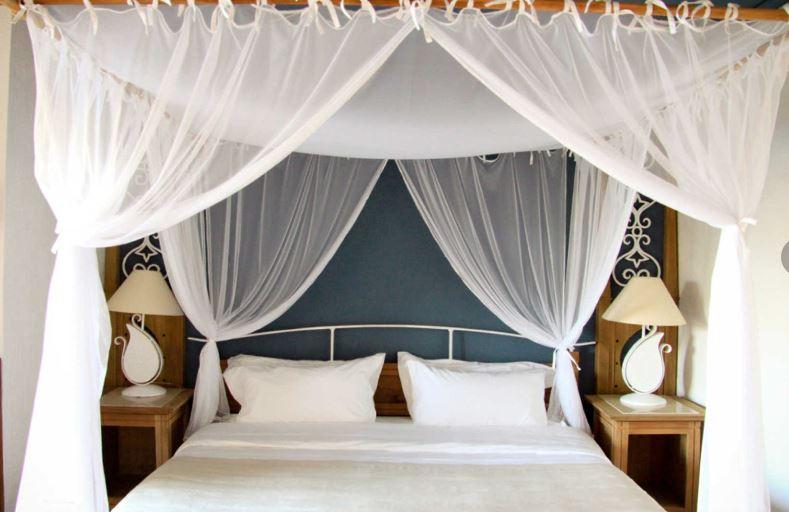 paradise-cove-deluxe-room.JPG