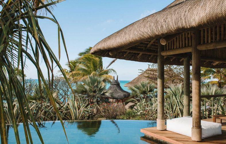 paradise-cove-infinity-pool-at-the-peninsula.JPG