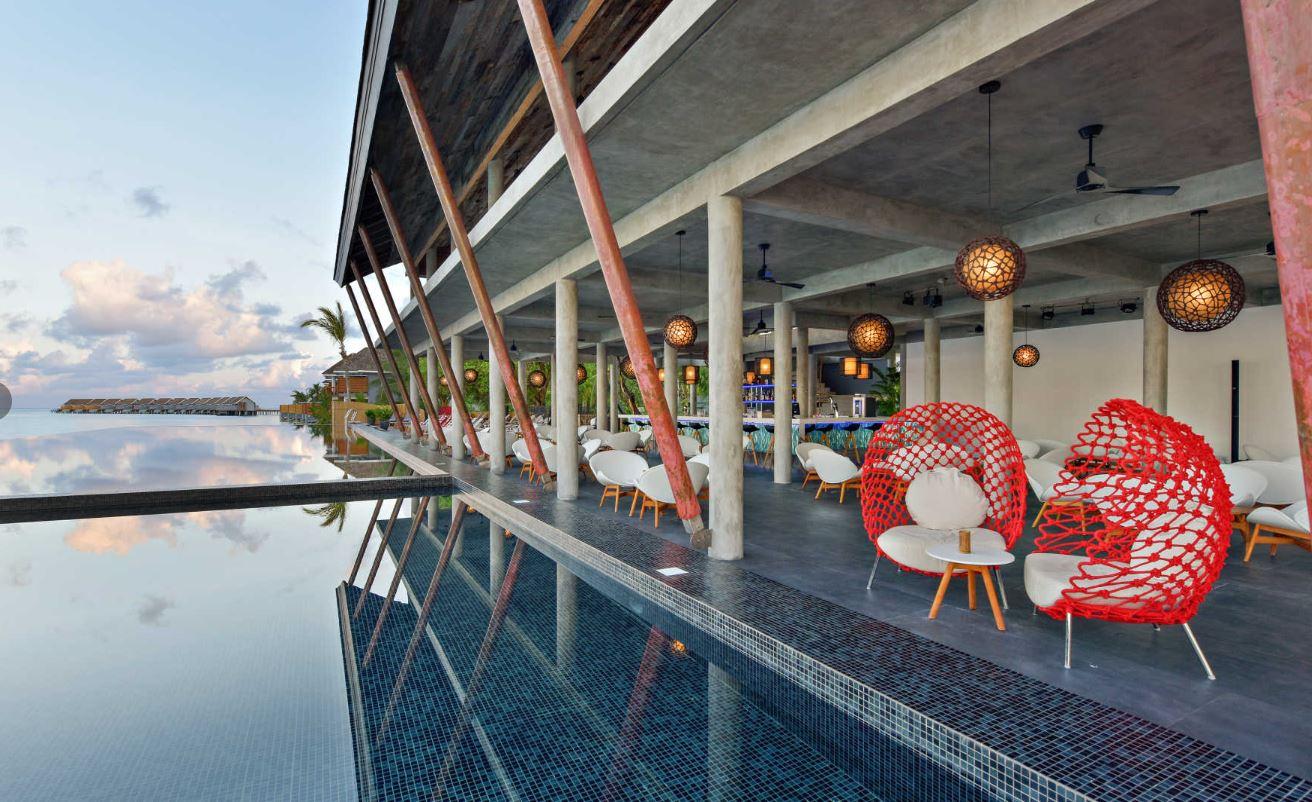kuramathi-maldives-laguna-bar2.JPG