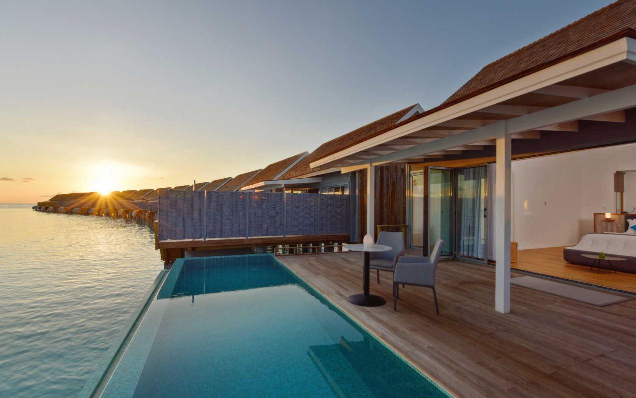 kuramathi-water-villa-with-pool.JPG