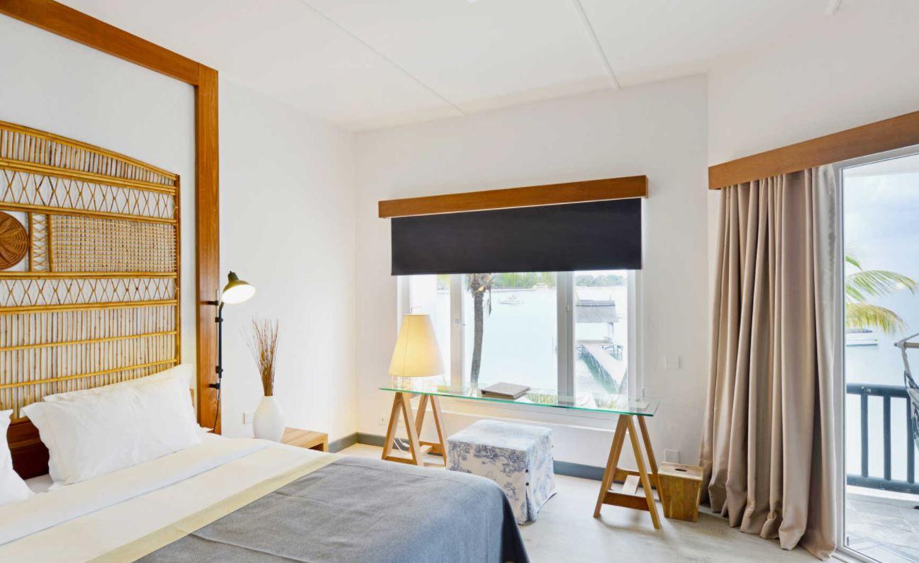 Executive Beachfront Adult Suite