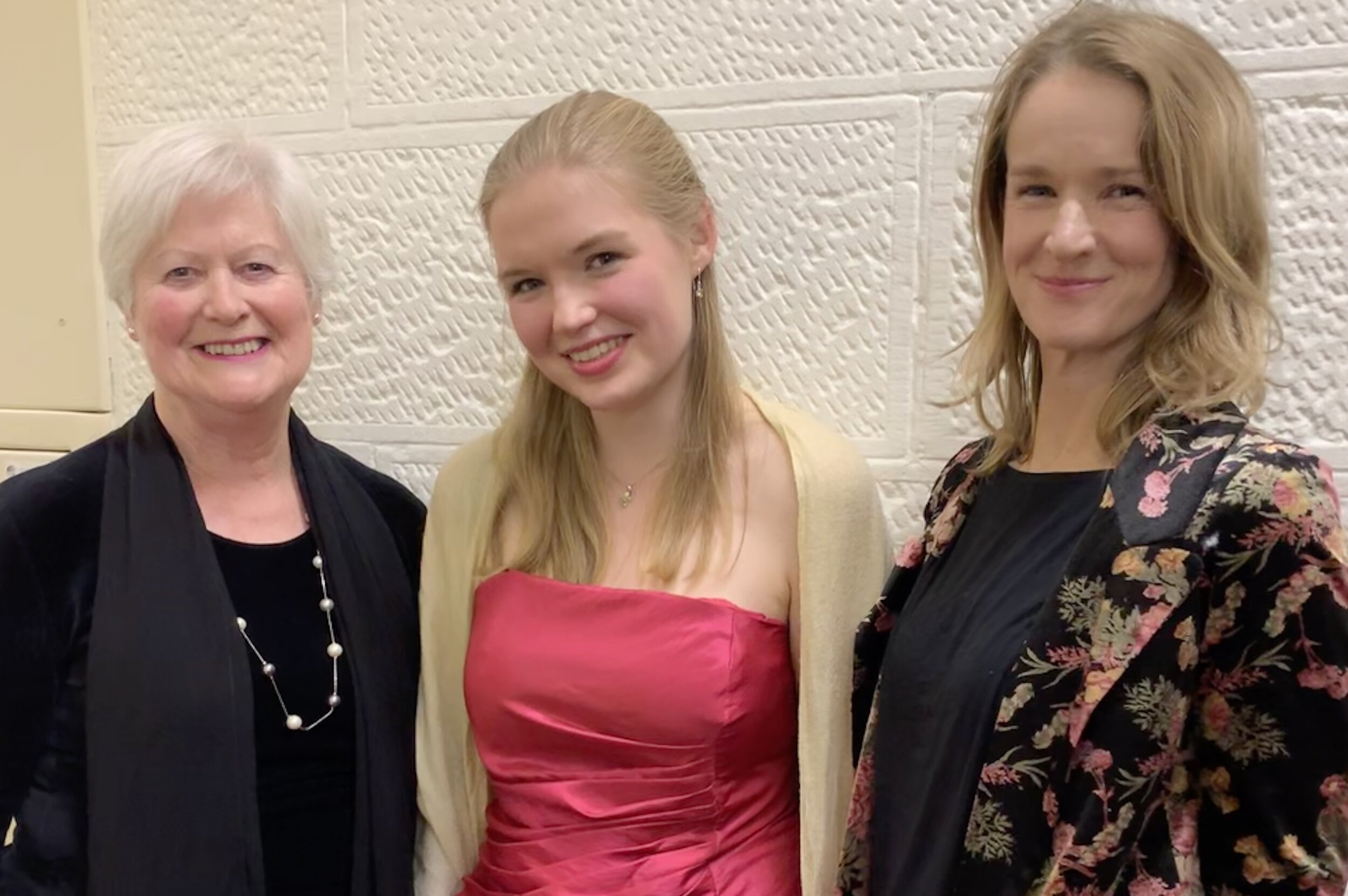 Ros Tilsley (Daughter of Nelle Ashdown), Lana Kains (Winner of the Nelle ASshdown Memorial Award 2019) and Wendy Page (Adjudicator of the Award)