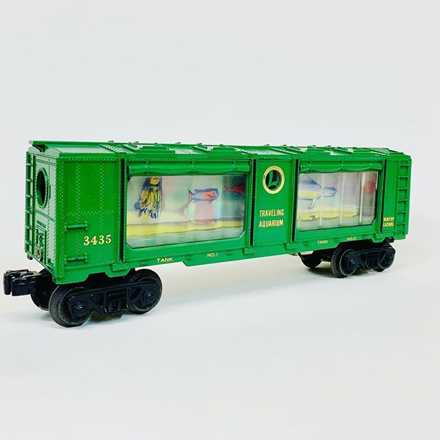 Rare version of Lionel 3435 aquarium car with tank 1 and tank 2 markings and gold circle around the L.