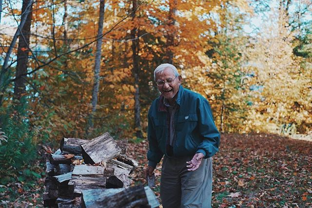 Sometimes I forget that picking up a camera can be a simple and therapeutic activity...Especially when you have such joyful and patient grandparents who willingly stand by the log pile or look off into the distance when asked.  The last photo is 100% candid and is maybe one of my new favorite photos. He immediately laughed right after I took it because he knew I had just caught him.  Happy Thanksgiving to my Canadians. And happy spooky pumpkin season to everyone else. 💕❤️