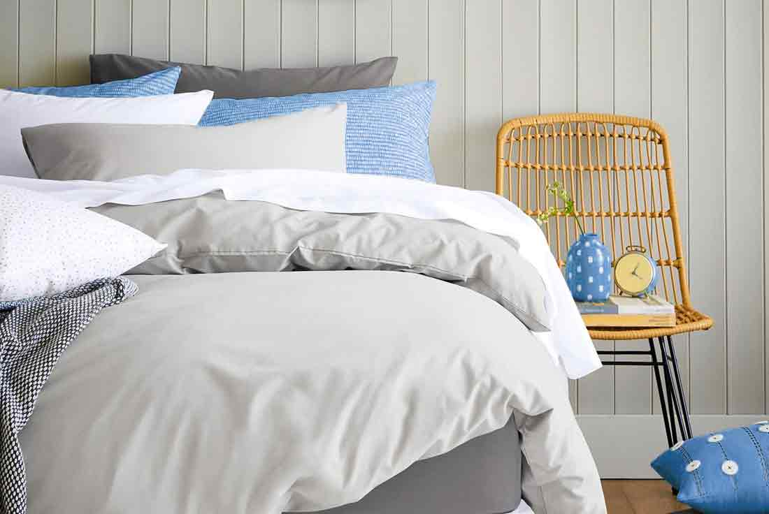 Fashion Bedding - We design and develop deluxe bedding such as comforters, quilts, duvet covers and bed-in-a-bag sets to meet any program requirement. We also offer selections from our own in-house brand collections. Styles range from perfectly simple to richly decorative, and always of the finest quality.