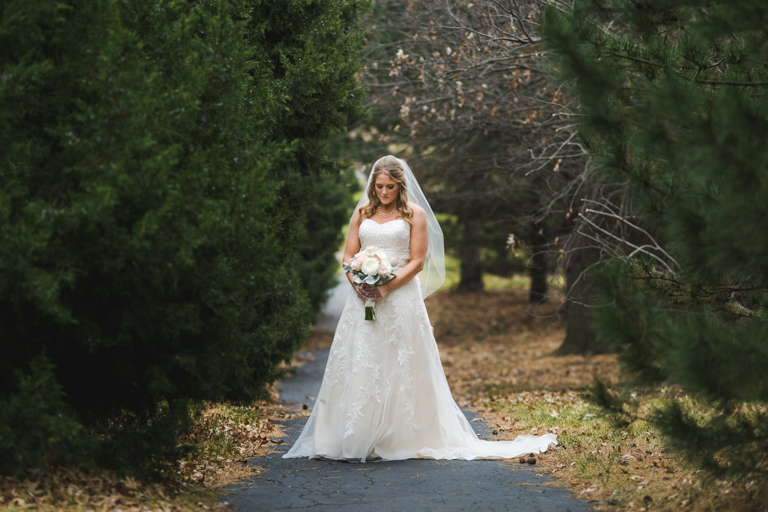 Bridal portrait photography Olathe, Kansas. Wedding photographer Renee McDaniel Photography, Manhattan Kansas