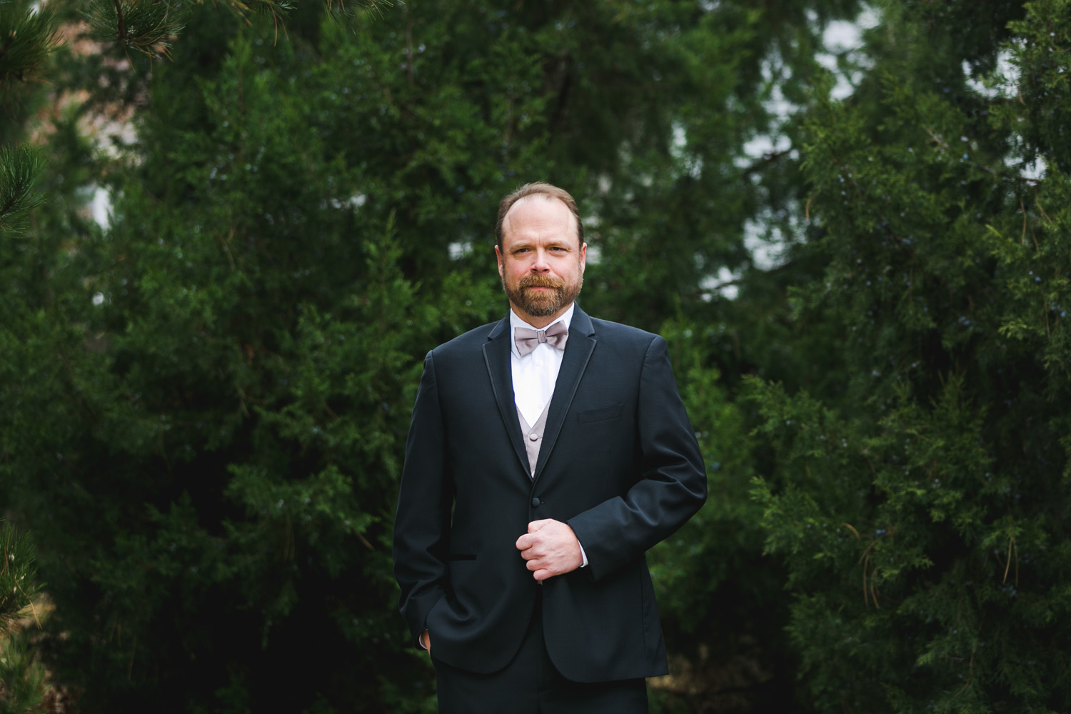 Groom portrait photography Olathe, Kansas. Wedding photographer Renee McDaniel Photography, Manhattan Kansas