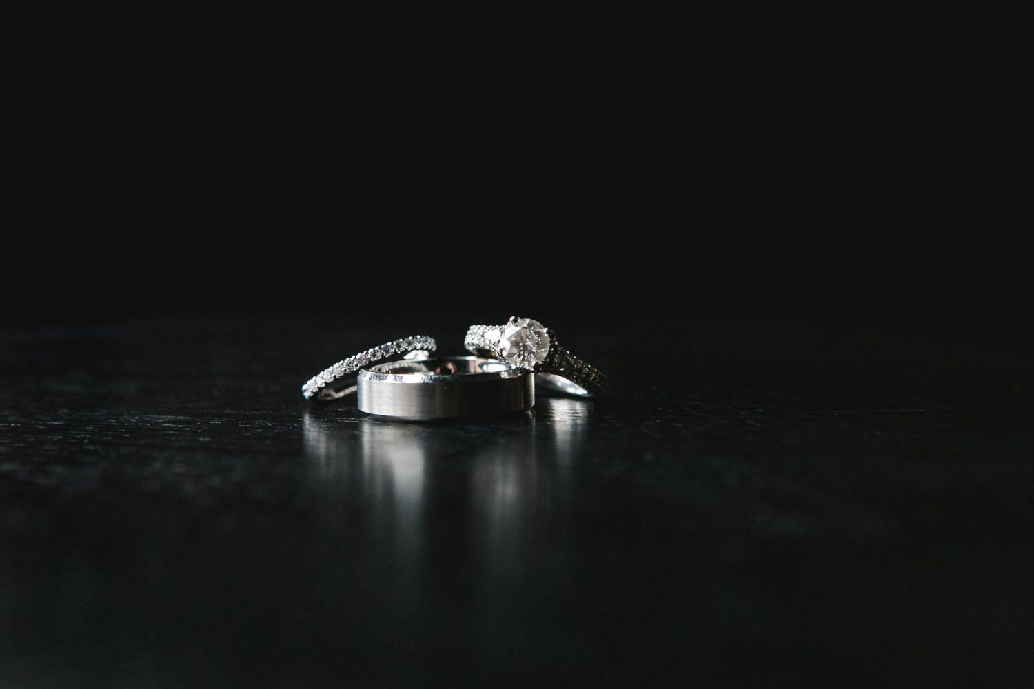 Wedding rings close up photography Olathe, Kansas. Wedding photographer Renee McDaniel Photography, Manhattan Kansas