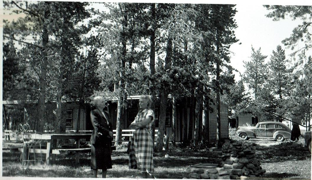 motel1951grounds.jpeg