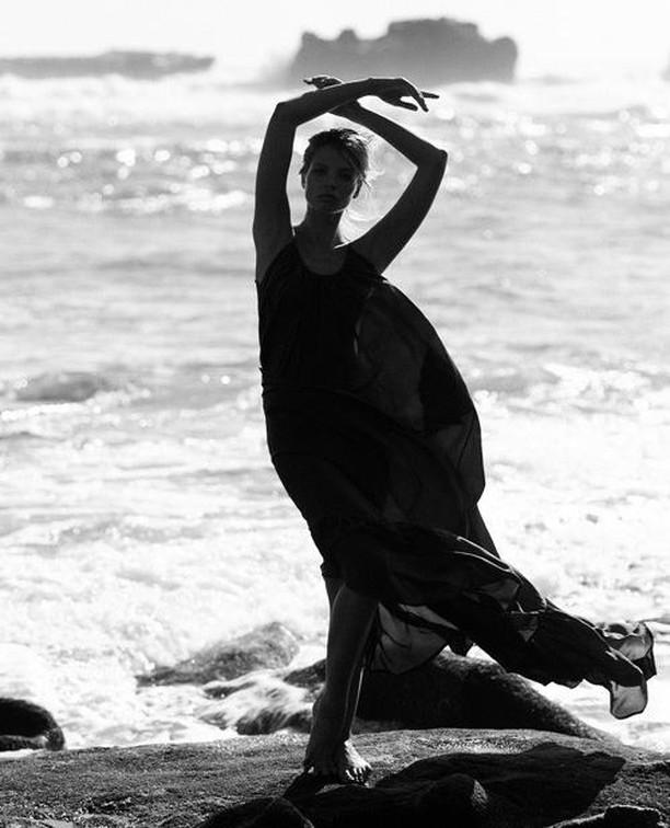 Location shoot for client @kalitaofficial with @kafelnikova_a   Photo | @stephenbutkus Styling | @glamazoid   #kalita #resortwear #luxury #campaign #fujifilmxt3 #camera #photooftheday #beach #balimodels #bali #editorials #fashion #flash #flashphotography #resort #kalitaofficial #fashionphotography #photoshoots #creativeagency #contentmarketing #contentcreation #fujifilm_xseries