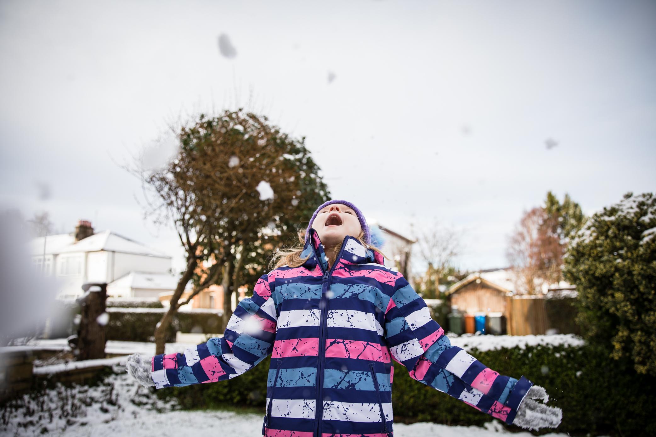 Lets throw snow!