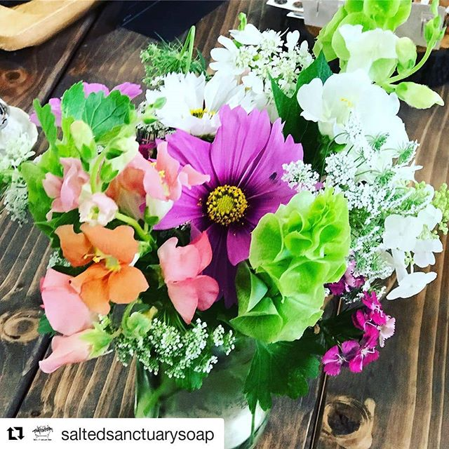 Just a handful of arrangements available at @saltedsanctuarysoap for Mother's Day. Snag one while you can! These are made with 100% local flowers including snap dragon, cosmos, bells of ireland, sweet peas, and hydranga. Full of texture and each one is unique.  #bloomntx #americangrownflowers #grownnotflown #northtexas #texascutflowers #localblooms #denton #dentonflorist
