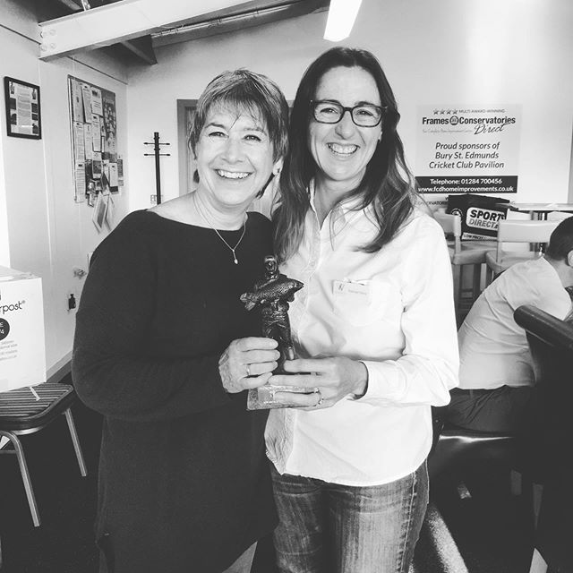 Congratulations to @pennymorgan5364 from @pennymorganphotography for winning our trophy 🏆 presented for the best 60 seconds pitch at this mornings Bury Breakfast Club's visitors day meeting. Penny's talk on confidence in front of a camera clearly resonated with our members. 📸