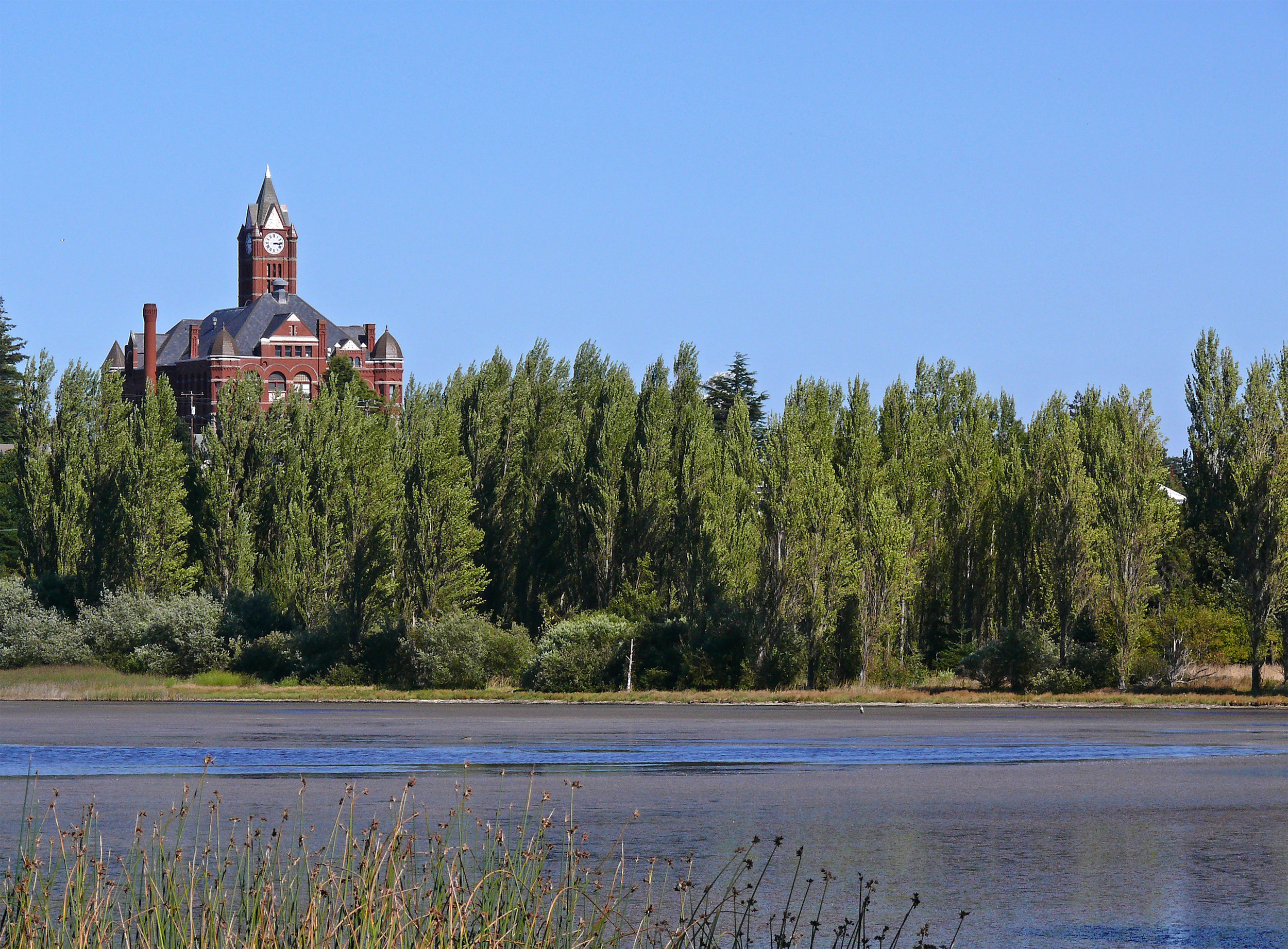 Kah Tai Lagoon Nature Park with Jefferson County Courthouse in background (photo © Andrew Reding).