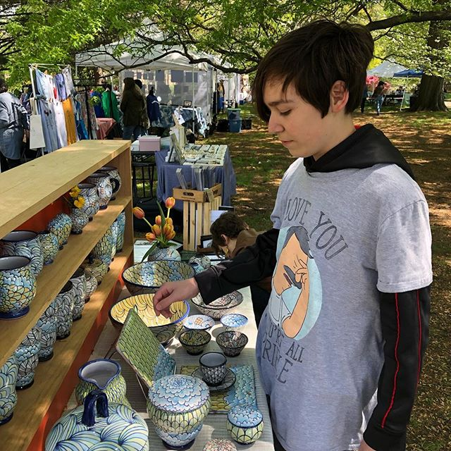 Kids are helping out at West Craft Fest today! 11-5pm @westcraftfest #majolica #ceramics #pottery
