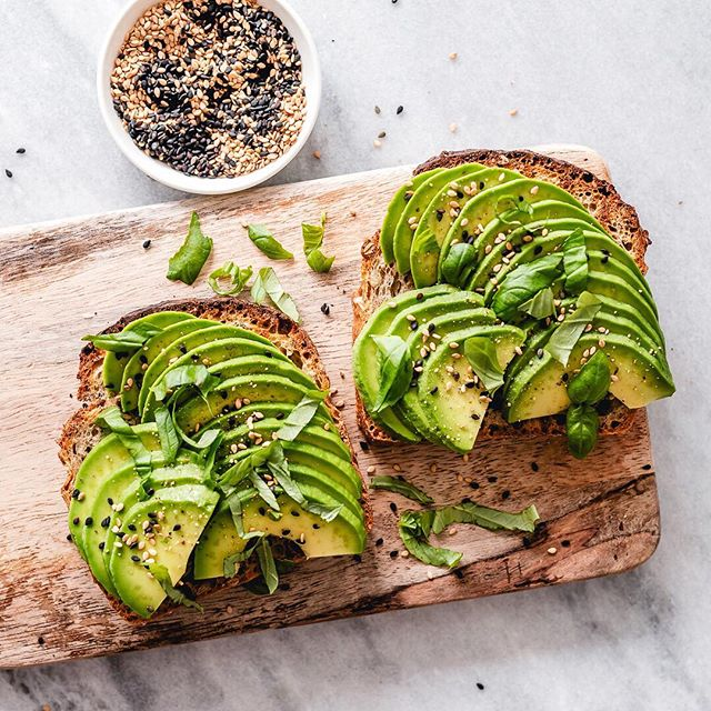 Avocados are one of the BEST fruits you can eat 👌🏽🥑 Good for your body inside and out, this is one super food that actually deserves the title. Full of good fats, they help to lower cholesterol, keep your skin glowing and while giving you the perfect fuel you need to hit your fitness goals 🔥  Comment below on your favourite way to eat them ⬇️ We can't go past the classic avo on toast combo 🥑🥑🥑 www.fitazfk.com  #fitazfk #healthyeating #healthynutrition #cleaneating #avocados #healthyrecipes