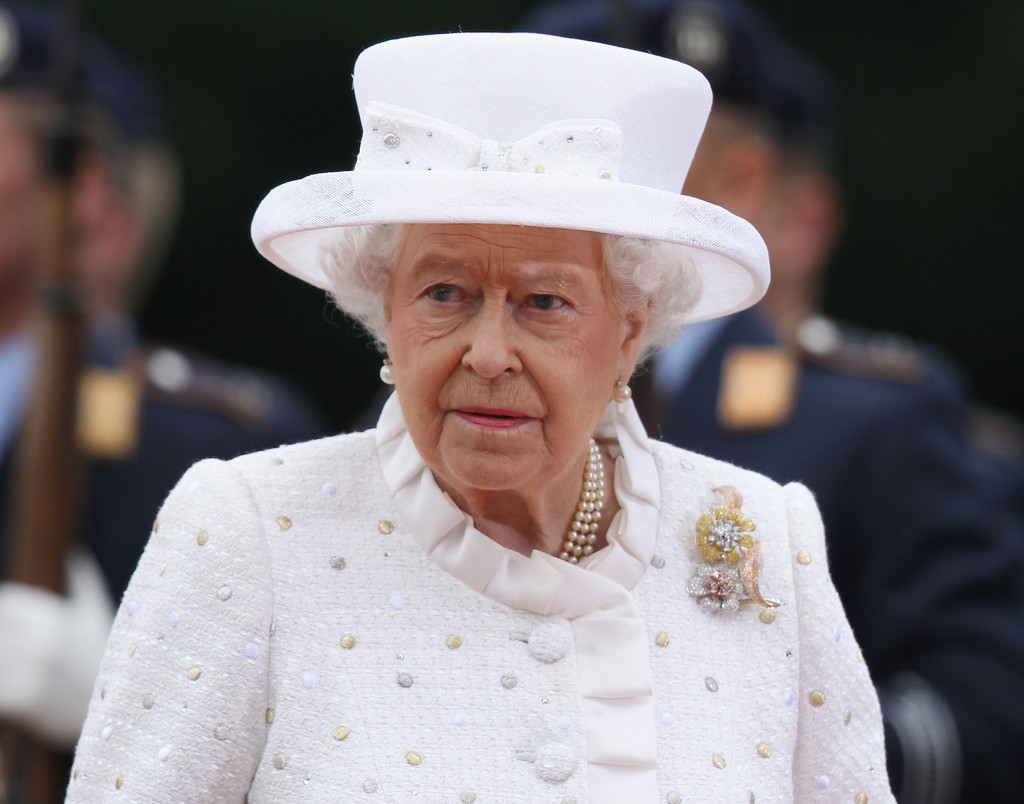 At The Age Of 273, Queen Elizabeth II Recalls With Sadness The Summer Day In 1776 She Received The News That The Colonists Had Signed A Document Severing Ties With Her Empire