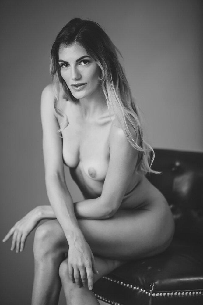 fine-art-nude-photographer-new-york-042-Edit.jpg