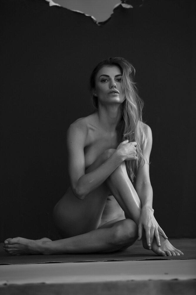 fine-art-nude-photographer-new-york-095-Edit.jpg